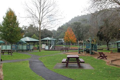 Mount Gambier Valley Lake - Crater Walks, Playgrounds