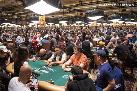 WSOP 2018: What to Bring to the World Series of Poker - A