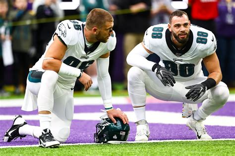 Is it time for the Eagles need to invest in a third tight end?